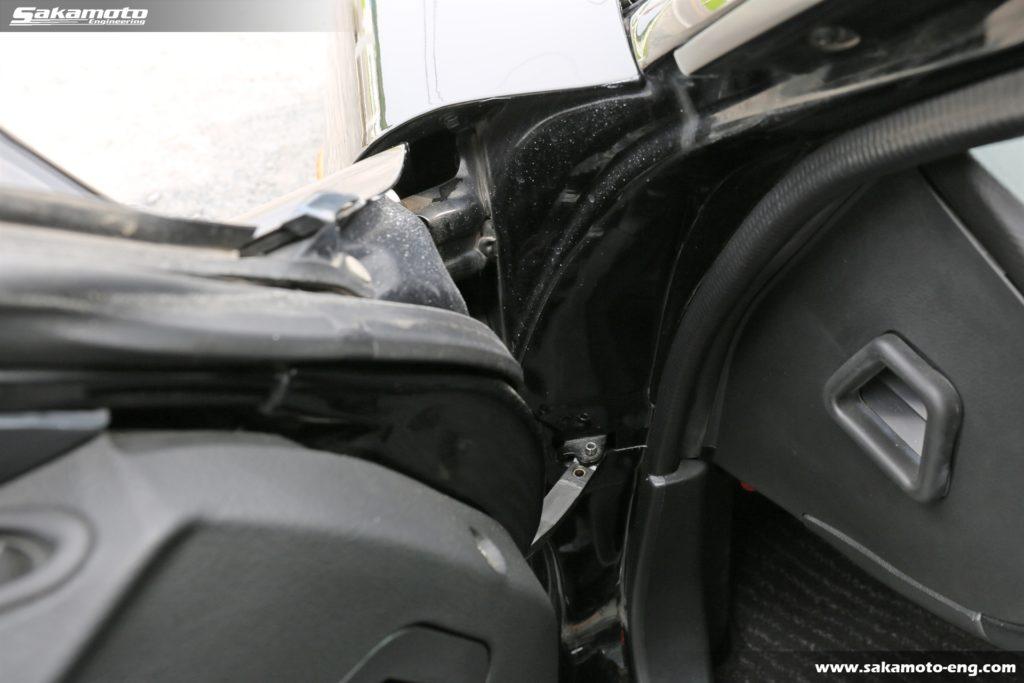 事故車の確認の際は該当箇所を入念にチェック