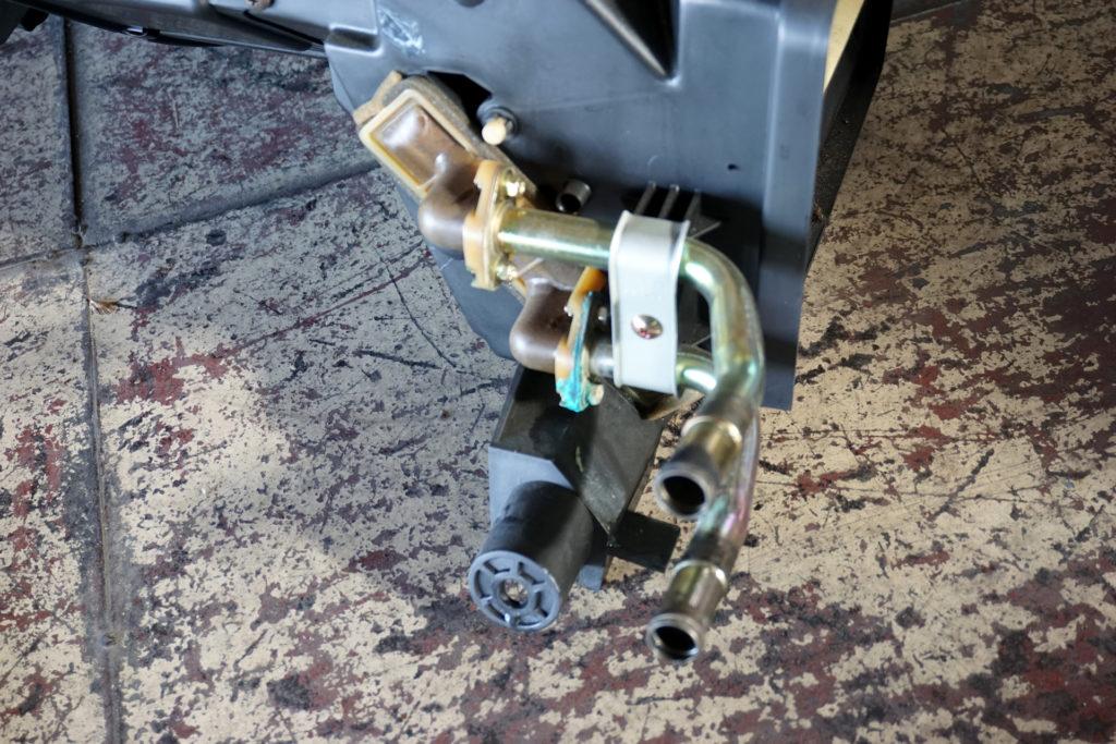 故障したFD3S RX-7のヒーターユニット